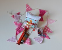 Clip cushion and bunting